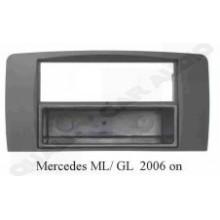 Mercedes MI / GI-Class 2006 on Facia Panel